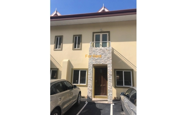 Cascade: Sunflower Crescent 4-Level Townhouse